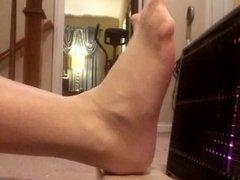 Nylon Hotfoot 1