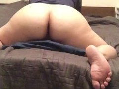 Chubby slut humping pillow
