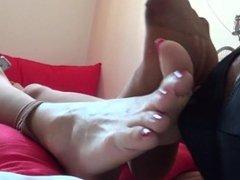 Korea Foot Goddess CleanMyDirtyStockingFoot.wmv