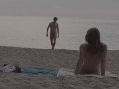 Julia Roca El Chico De La Playa Nudista