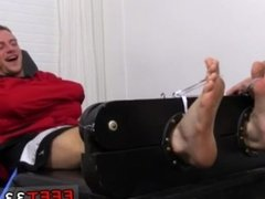 Boy feet male zone and twink toe and penis movies and free gay male legs
