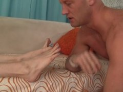 Stefani Special orders her slave to worship her feet