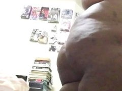 Big Bubble Butt Sista Strips Down and Lotioning Herself