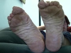 Scarlett's Candid Stinky Soles Part 1