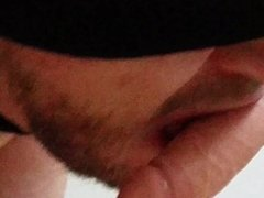 Guy close up sucking own cum from dildo - mec suce son sperme sur son gode