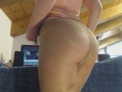 Big ass with pantyhose and pee