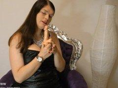 Leder Mistress gibt German JOI FemDom Worship Leather