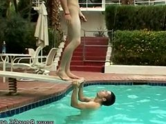 Sex young boy to gay xxx download video and sucking mens dicks outdoors