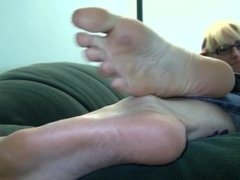 Niki's Candid Stinky Soles Part 3