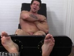 Movies with male feet scenes and gay men sucking bare feet and butt and