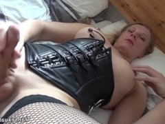 Pierced nippled shemales plays with her clitty