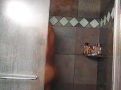 Macho gostoso no banho