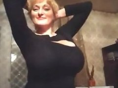 Huge tits amateur russian milf on cam - no nudity