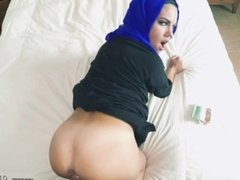 Arab lesbian kissing and arab wife orgasm and arab couple homemade and
