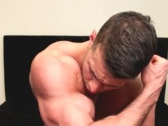 Ripped muscle wanking in bed with a fleshlight