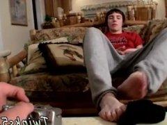 Raw boys jerking feet fetish hairy white boy legs black mens feet and