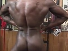 muscle girl ebony tits and pussy
