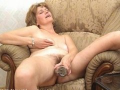 Mature women play with toys. Russian mature 81 (Blissmature.com)