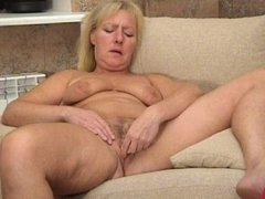 Mature women play with toys. Russian mature 84 (Blissmature.com)