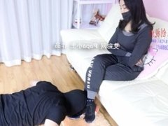 asian foot worship-sweaty foot after gym