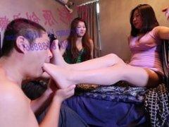 asian foot worship-2 goddess play foot slave