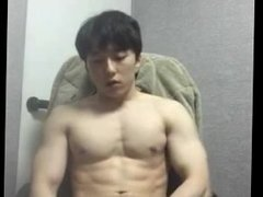 Korean muscular oppa show you his sperm after jerk off
