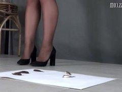 milf in mini skirt