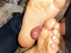Oily Footjob until Cumshot