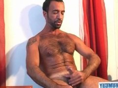 Kamel, innocent delivery guy serviced his big cock by a guy!