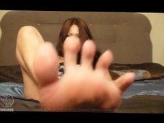 Dragon lily toe spread