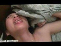 japonesa gritando cuando se la meten