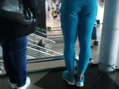 Tasty ass at the airport