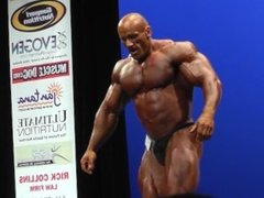 Gigantic Bodybuilder Poses on Stage