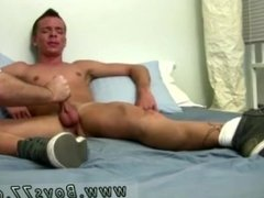 Big dick oral sex xxx gay movie He shortly moved to sitting up on