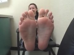 Young and Big Girls Worker Feet