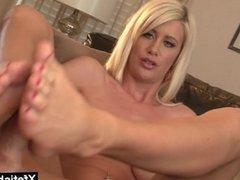 Hot pornstar footjob with cumshot
