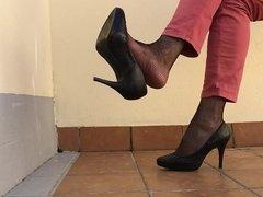Dangling Shoeplay at home. P.1.