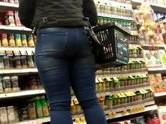 Phat ass in heels and jeans