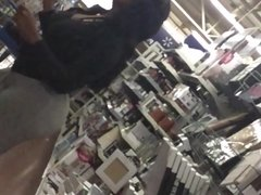 BIG BOOTY CAUGHT SHOPPING IN STORE CANDID
