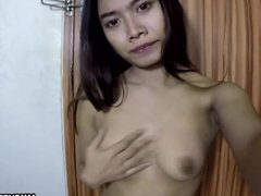 Solo babe has a wank and shows off her big boobs