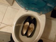 Piss in wifes high heel shoes