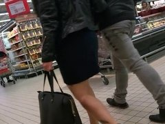 Woman with sexy heels and nice legs doing shopping