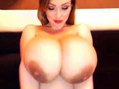 Sexy Milf With Huge Natural Tits On Cam