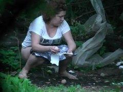 Forest Voyeur (Girl had to GO!)