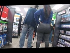 Candid Ass: Super Huge Phat Booty Dred in Gray Sweats!!!