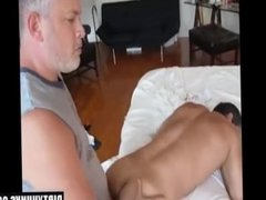 Muscle amateur oral sex and cumshot