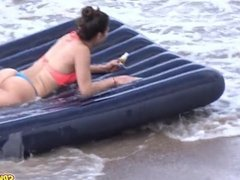 Amateur Beach Sexy Thong Bikini Teen - Voyeur Amateur Video