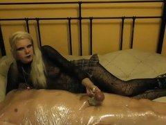 sadobitch - vera gets kicked in her balls