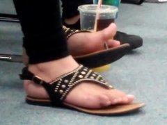 Latina Feet Beautiful Natural Toes (Toe curling action)