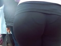 Nice juicy big ass girl in sweat pants